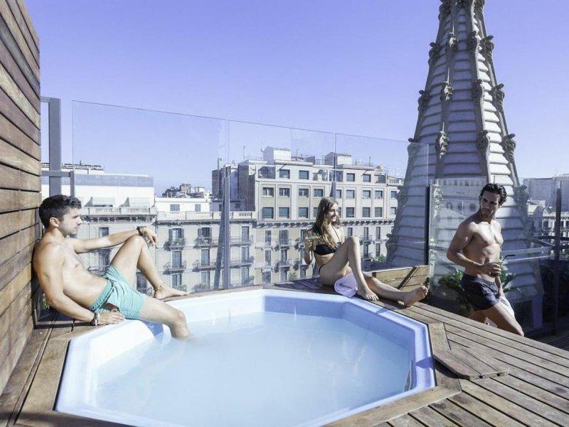 ostelli barcellona con piscina