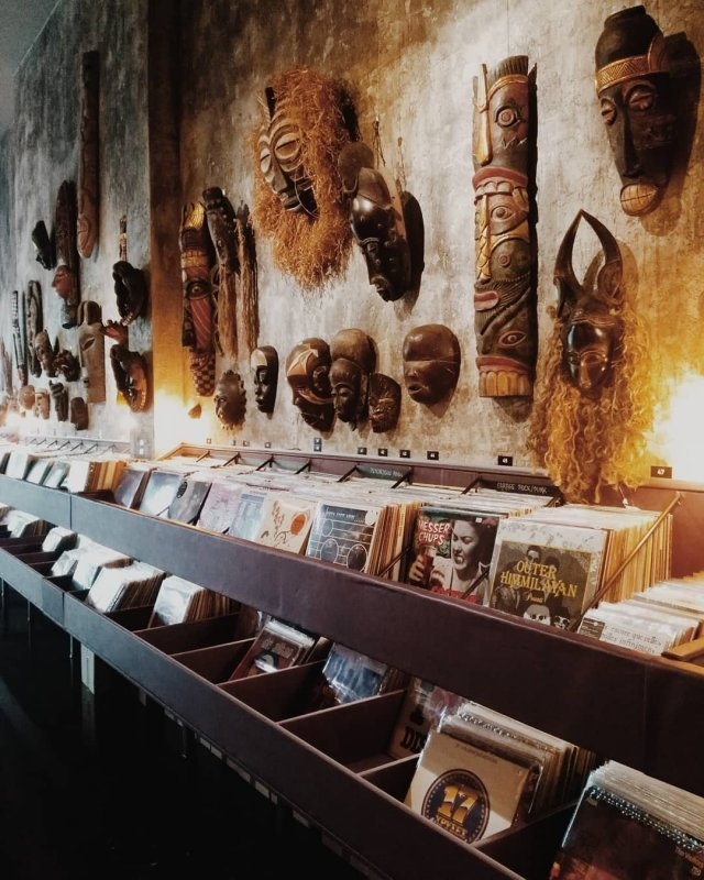 Underflow record store in Athens