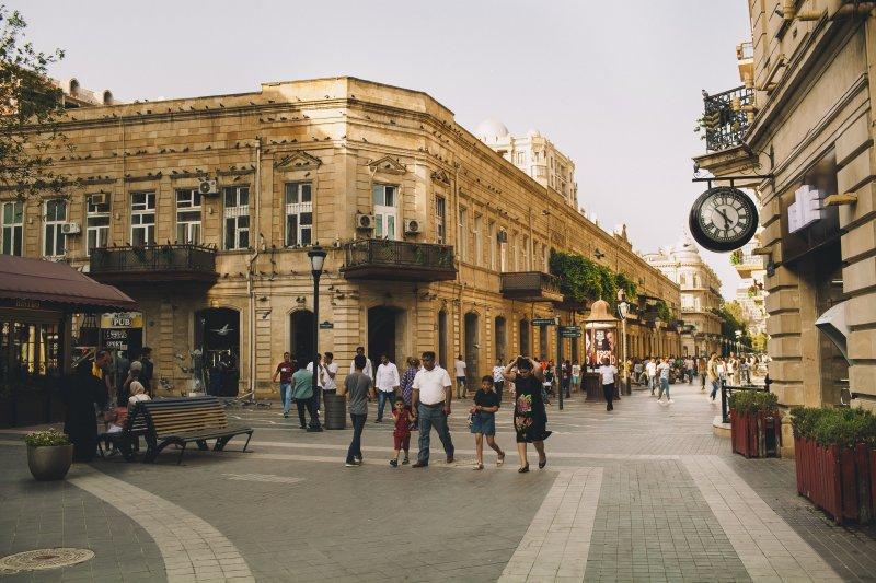 what to see in baku: Torqovaya street