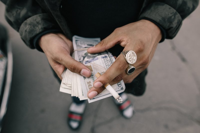 dinero (big)