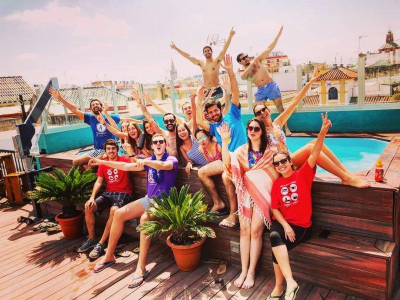 Oasis Backpackers Hostel Seville Rooftop Pool