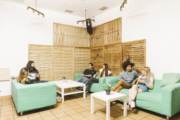 Cats Chill Out Hostel (big)