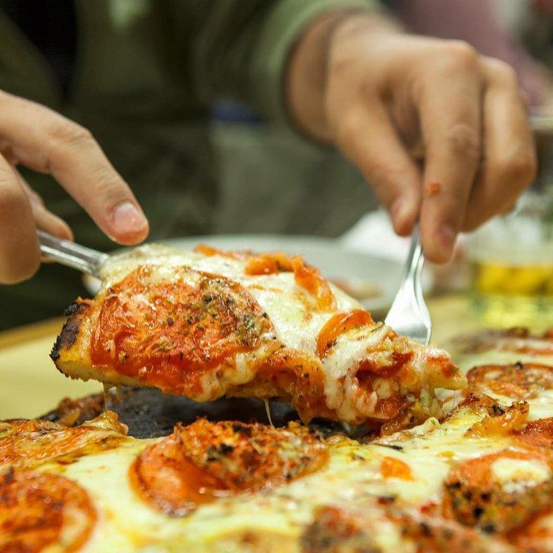 La deliziosa pizza porteña di Buenos Aires