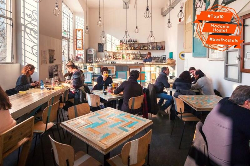 Madama Hostel è un ostello con bistrot a Milano