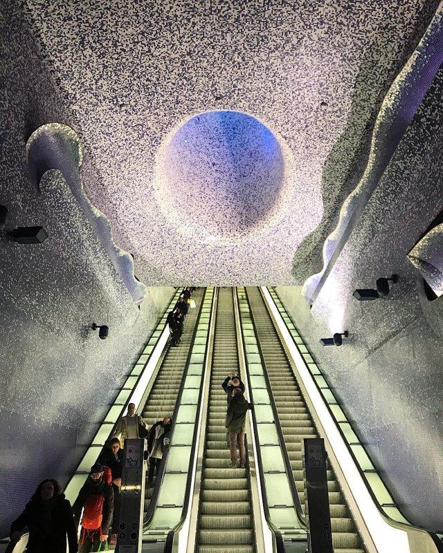 Cosa vedere a Napoli e dintorni: Metropolitana Toledo (big)
