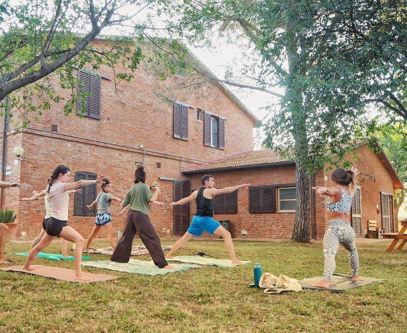 corsi di yoga e tante attività in ostello