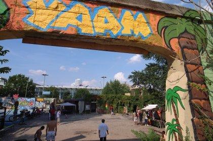 Yaam beach bar (big)