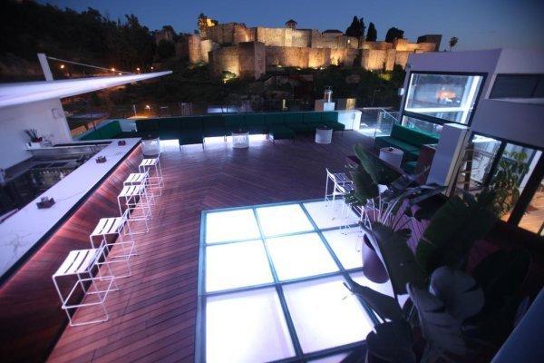 Alcazaba premium hostel - Malaga'da inanılmaz çatı katı