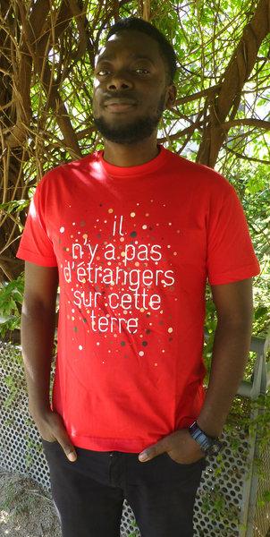 """T-shirt pour homme """"Il n'y a pas d'étrangers sur cette terre"""""""
