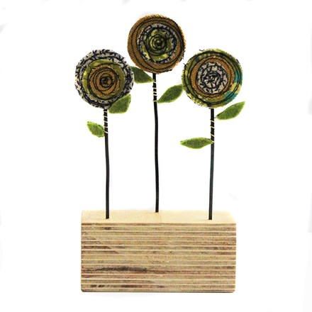 Triple Poppy Sculpture Green