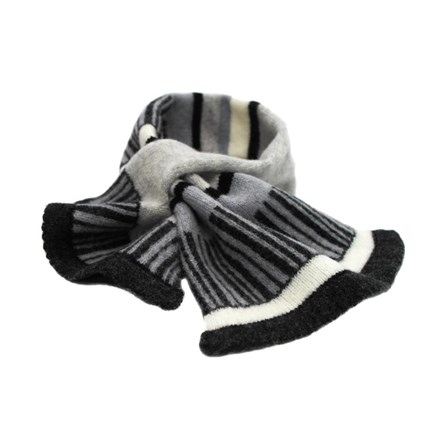 Lambswool Pied Wagtail Tuck Scarf