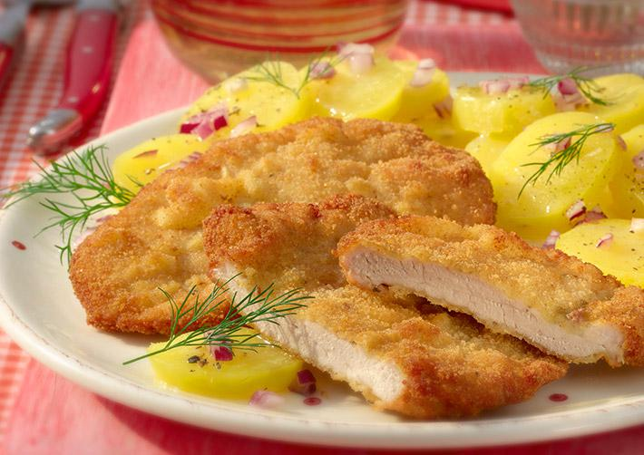 schnitzel mit kartoffelsalat rezept hellofresh. Black Bedroom Furniture Sets. Home Design Ideas