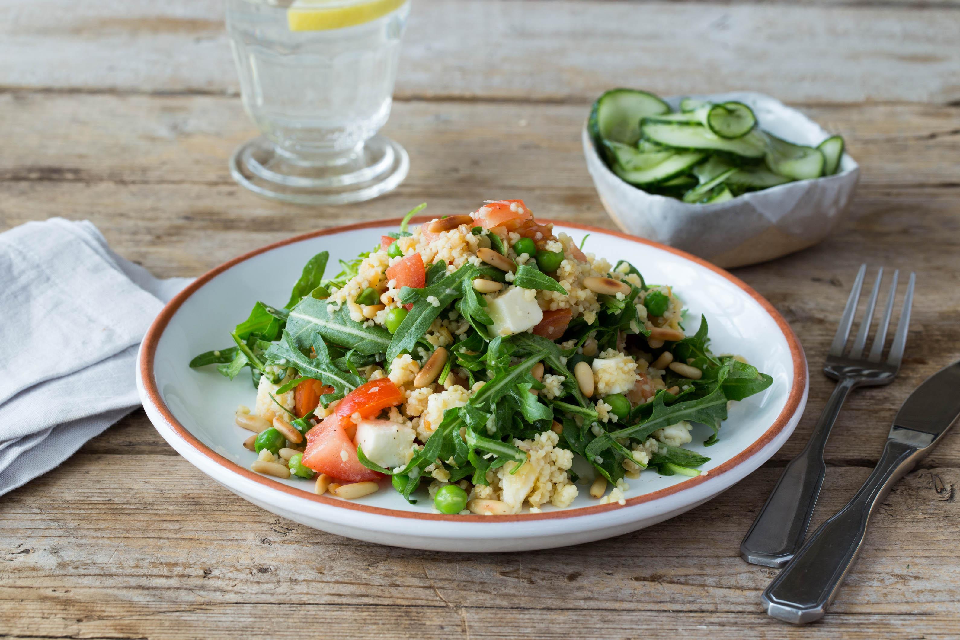 Herrlich frisch: Couscous-Linsen-Salat mit Dill-Gurkensalat