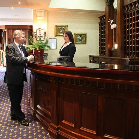 Woodford Dolmen Hotel