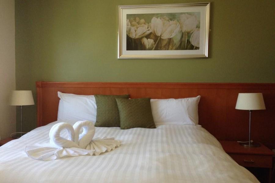 Marina Hotel Leitrim 13