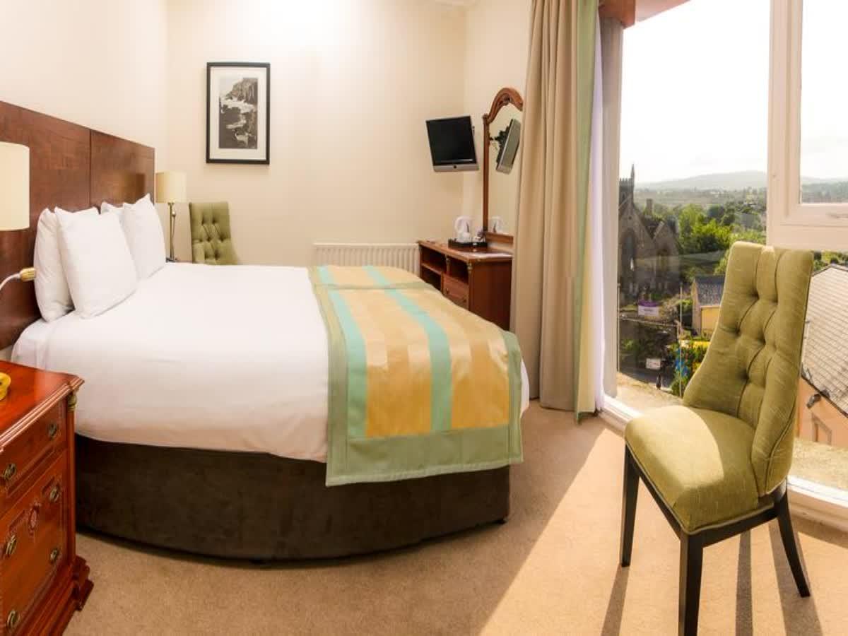 Royal Hotel & Leisure