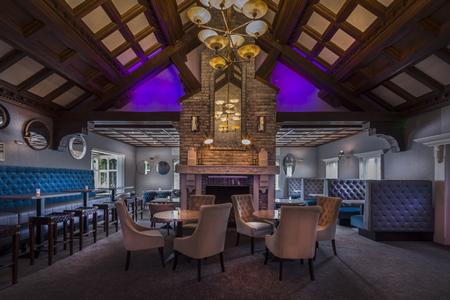 Oak Wood Arms Hotel Shannon