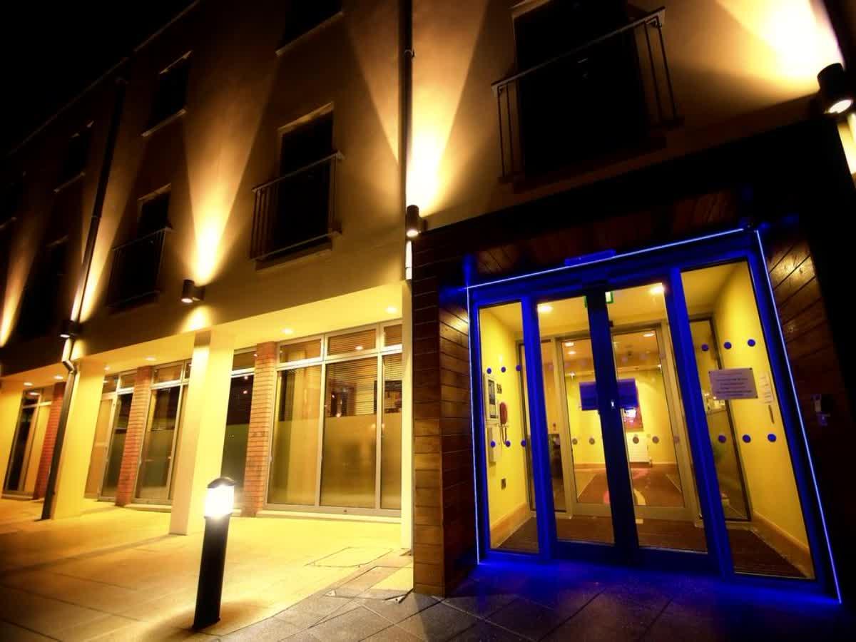 Belmore Court Hotel