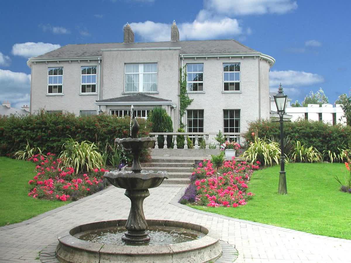 Castle Oaks House