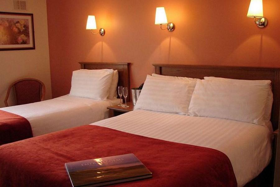 The Downhill Inn Hotel Mayo 13