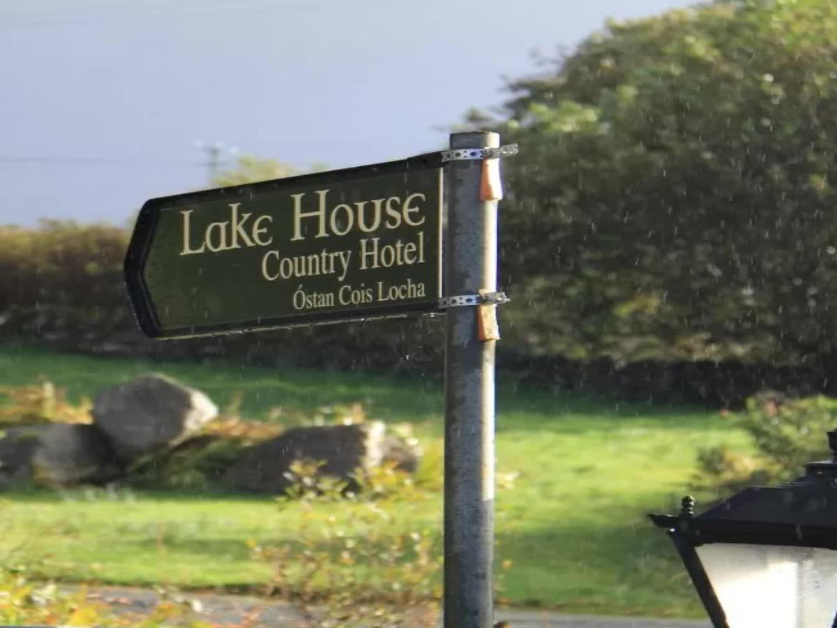 Lake House Hotel