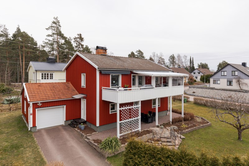 Elsy Larsson, Spelvgen 2, Skoghall | unam.net