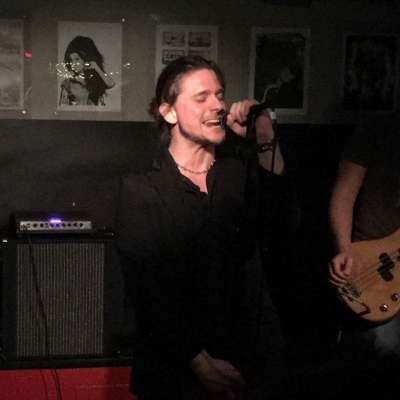 Sångare söker bluesrock- eller grunge-band