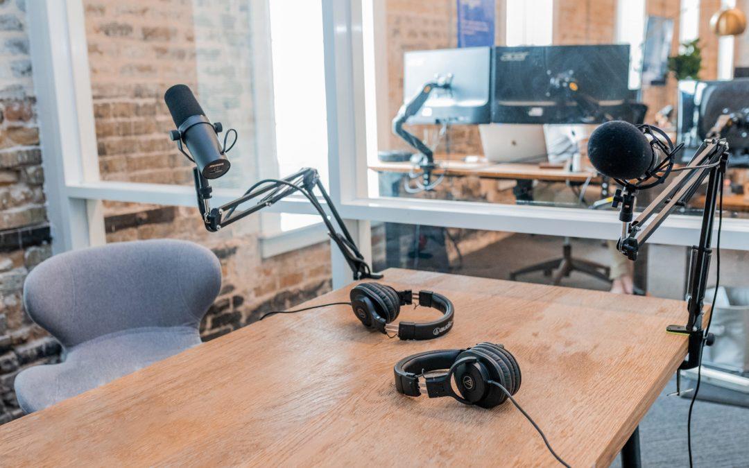 ¿Deberías crear un podcast? Analizamos el formato de moda