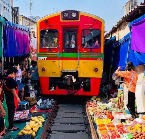 Maeklong Railway Markt