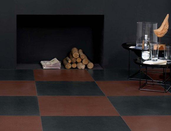 Pavimento in gres porcellanato serie Cuoio, colore Cognac 60x60cm. Nella foto è raffigurata la posa a scacchi con il colore Petrolio. In vendita su www.dcasa.it