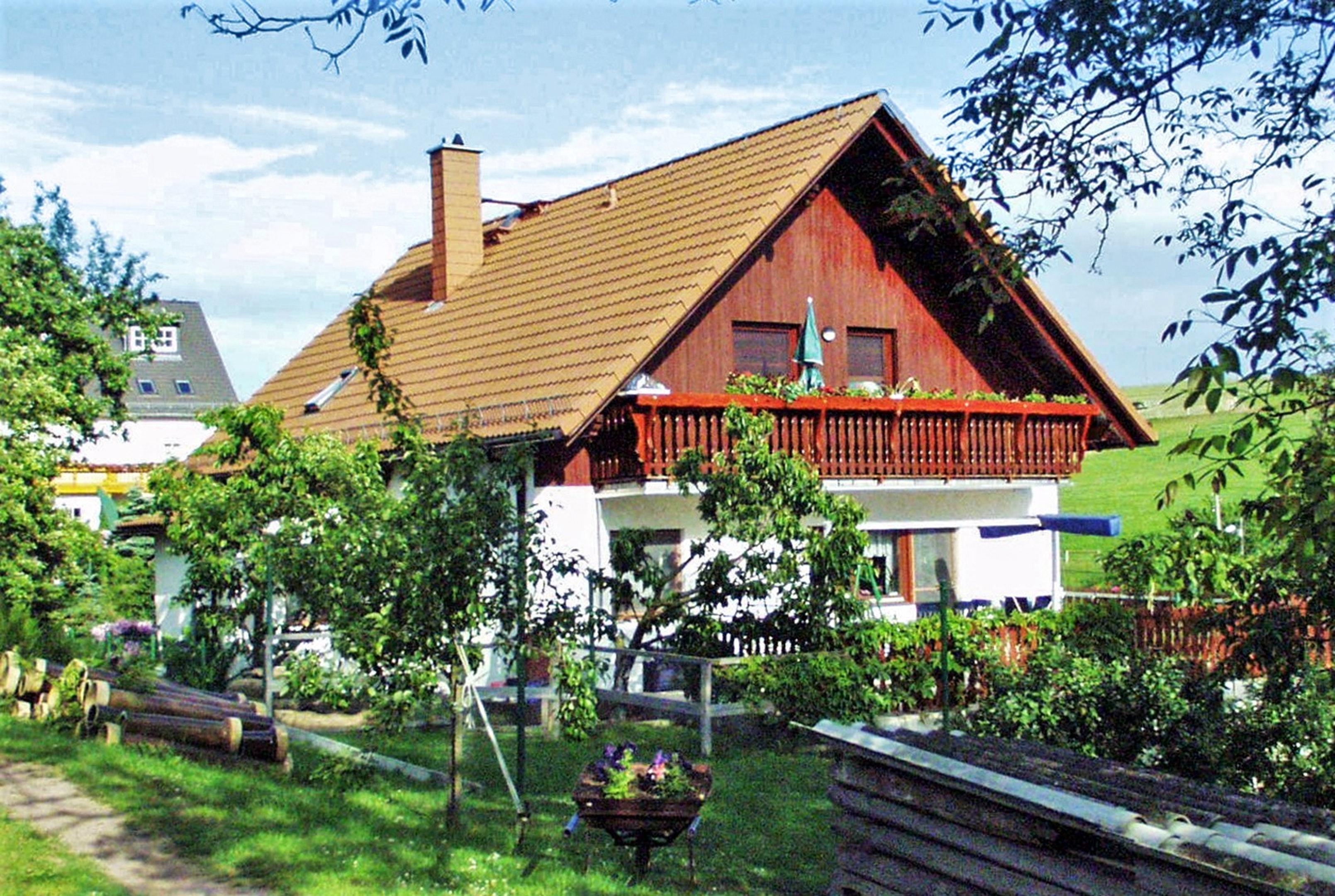Wohnung mit 2 Schlafzimmern in Obernaundorf mit Po Ferienwohnung in Sachsen