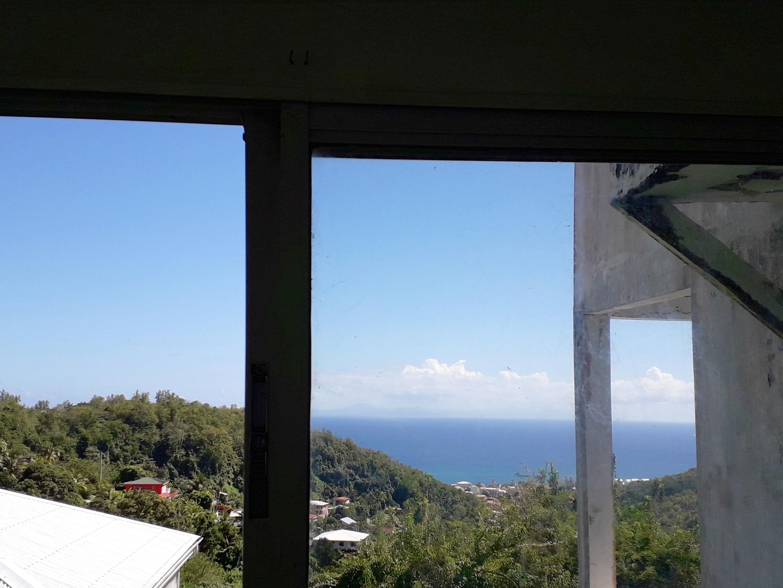 Wohnung mit einem Schlafzimmer in Sainte Luce mit herrlichem Meerblick, eingezäuntem Garten und W-LAN - 800 m vom Strand entfernt