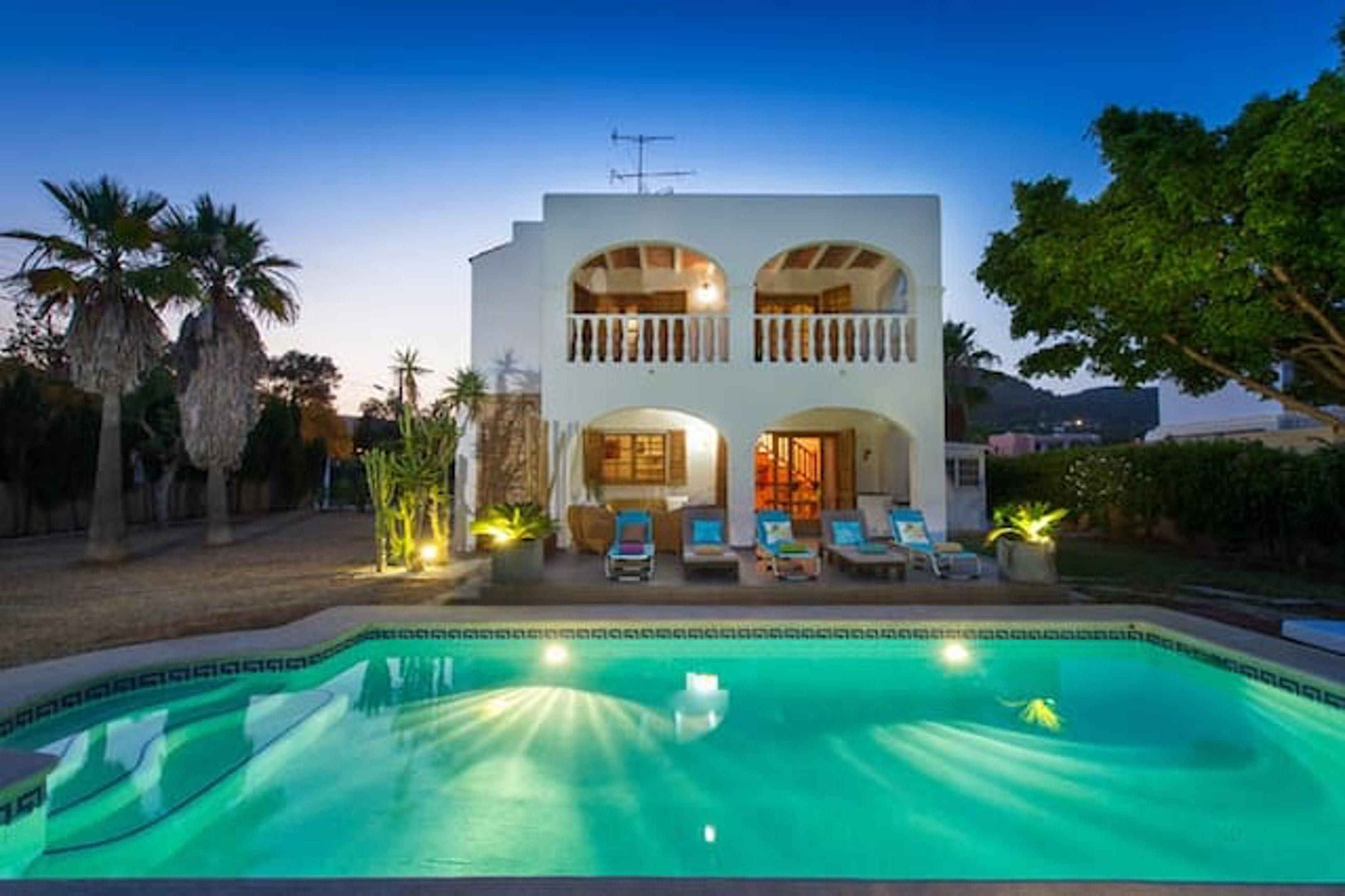 Haus mit 4 Schlafzimmern in Illes Balears mit privatem Pool eingezäuntem Garten und W LAN
