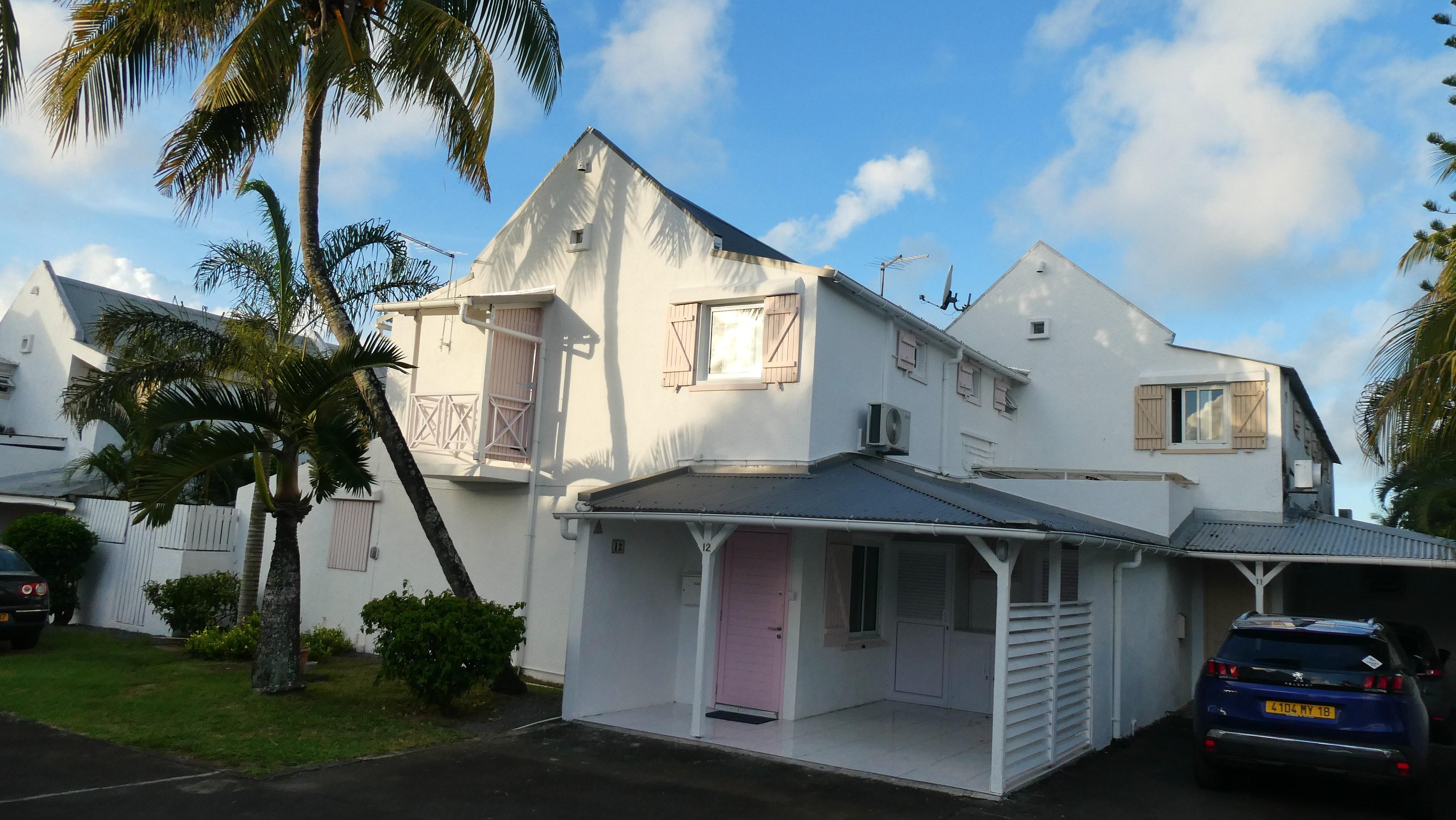 Haus mit 3 Schlafzimmern in Grand Baie mit Pool, eingezäuntem Garten und W-LAN - 500 m vom Strand entfernt