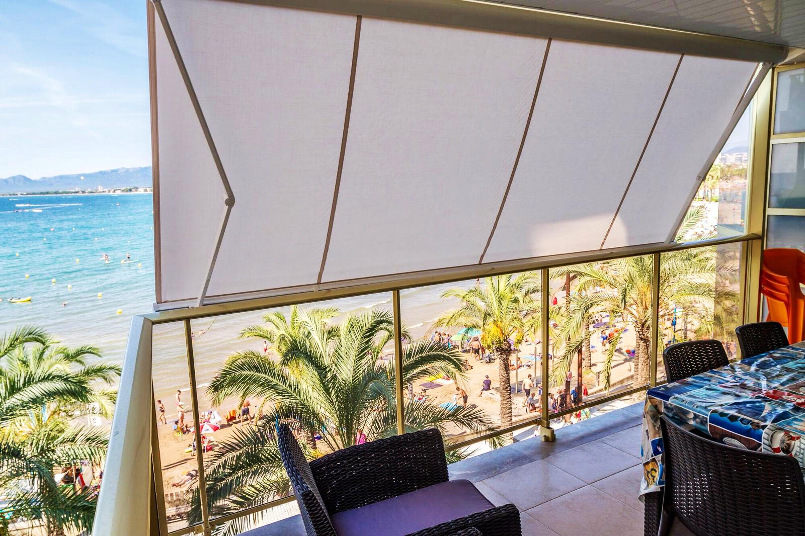 Wohnung mit 2 Schlafzimmern in Salou mit herrlichem Meerblick und W LAN 10 m vom Strand entfernt