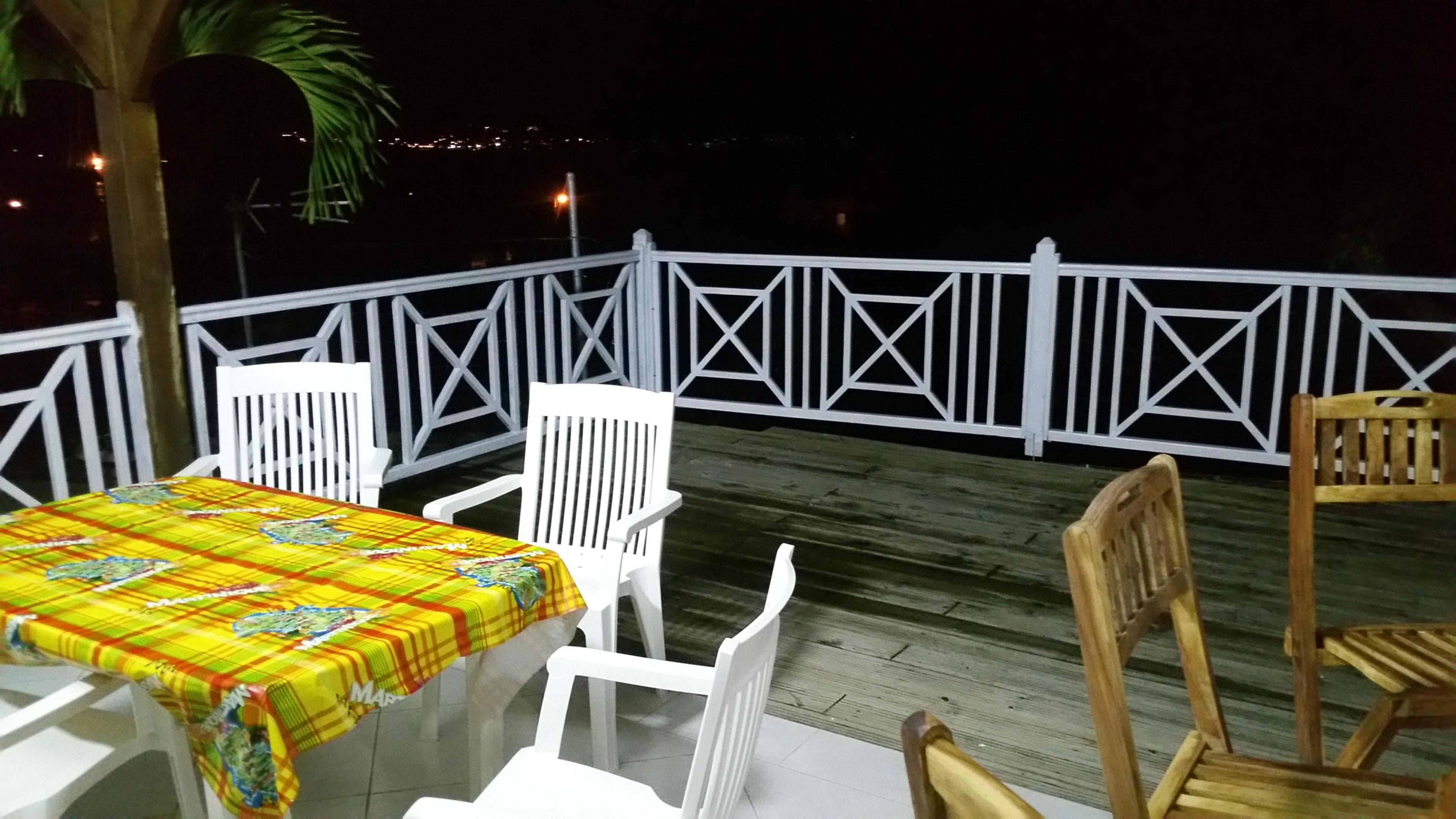 Wohnung mit einem Schlafzimmer in Le Marin mit herrlichem Meerblick, eingezäuntem Garten und W-LAN - 10 km vom Strand entfernt