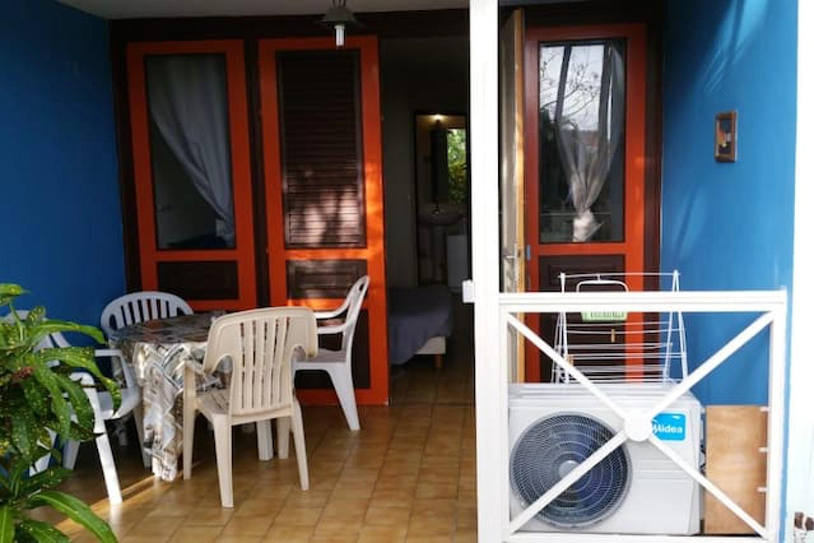 Estudio en Sainte-Anne, con terraza amueblada y WiFi - a 2 km de la playa
