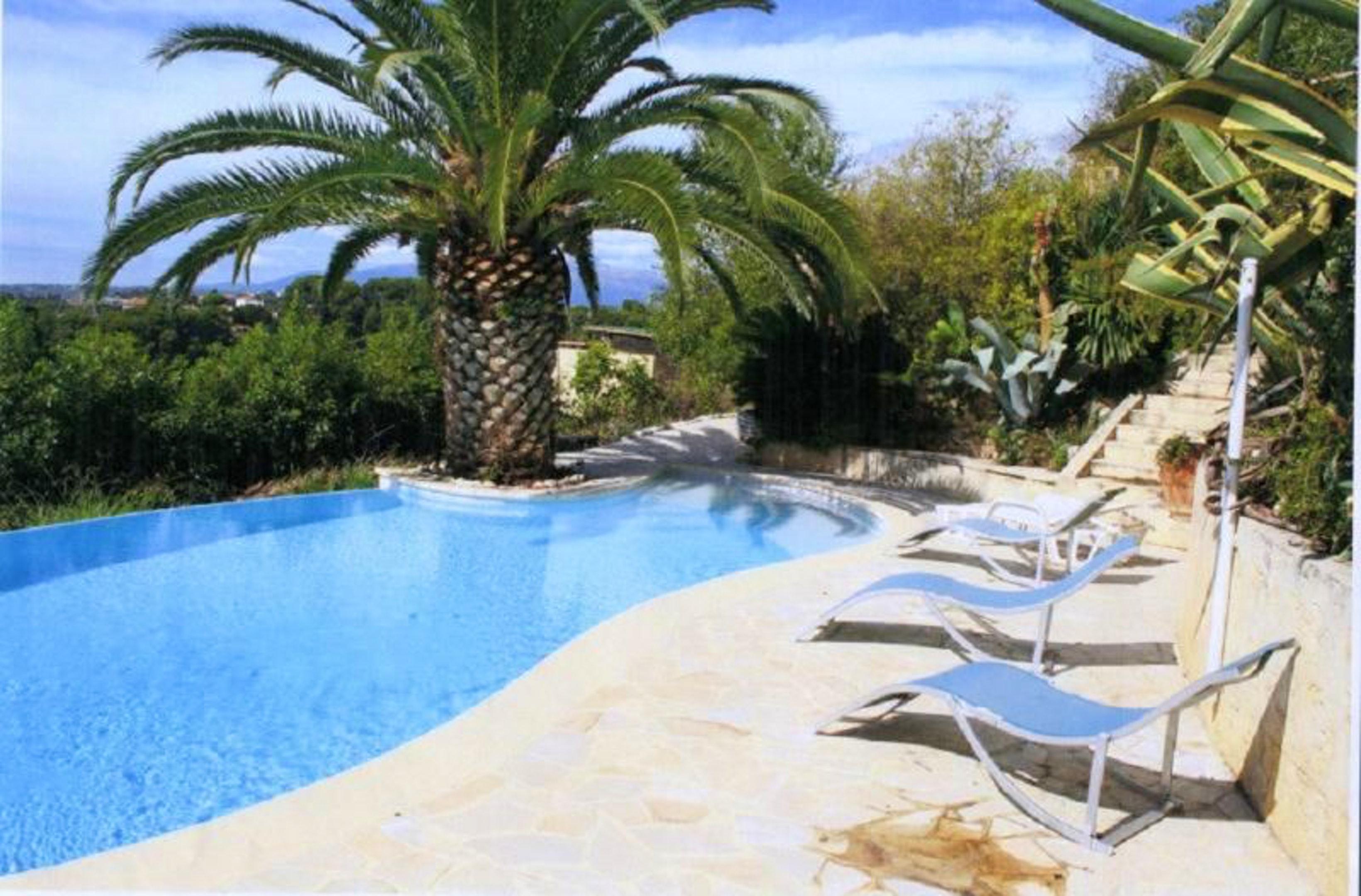 Studio in Cagnes sur Mer mit herrlichem Meerblick Pool eingezäuntem Garten 5 km vom Strand entfernt