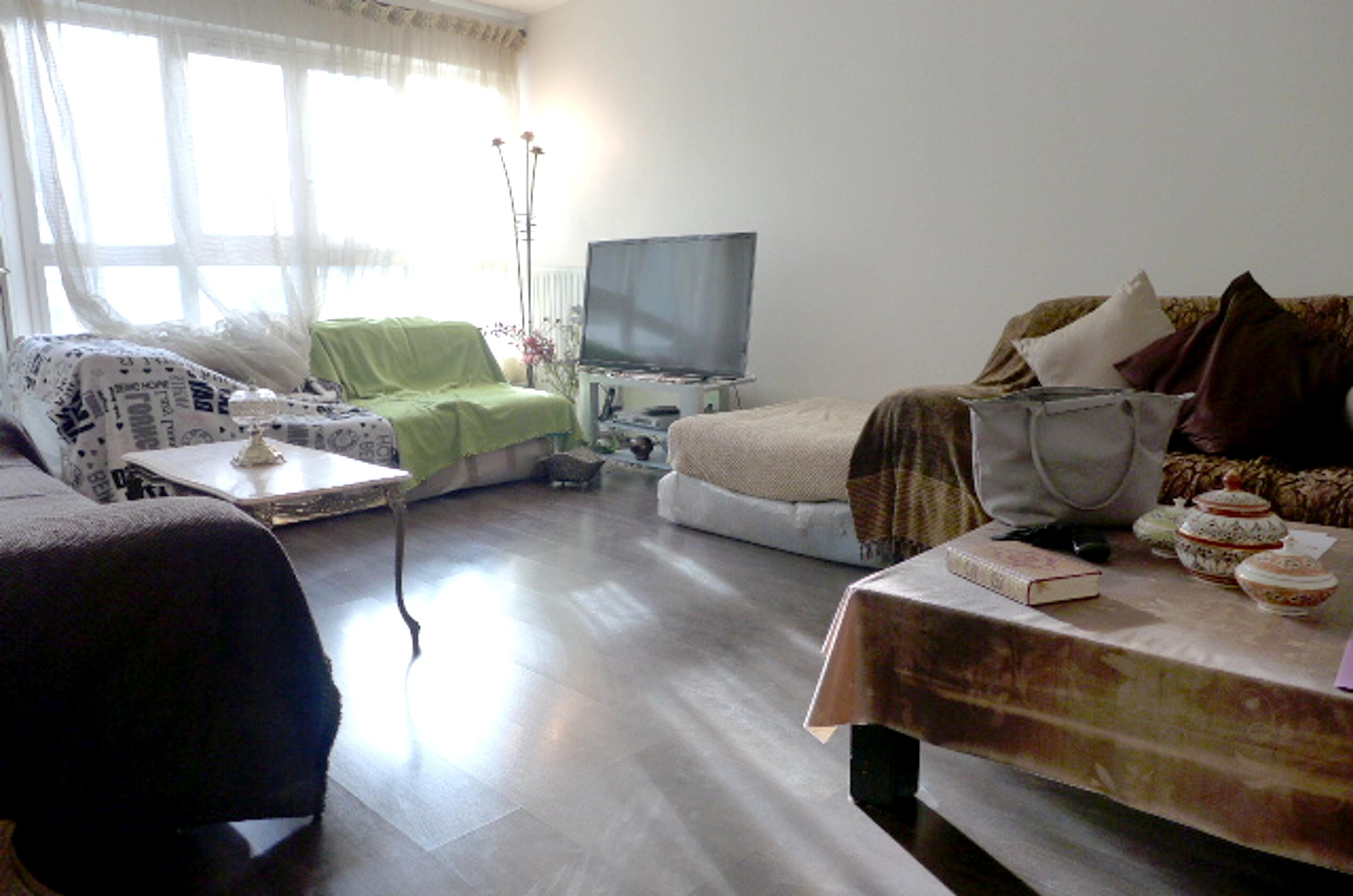 Wohnung mit 2 Schlafzimmern in Courbevoie mit m&ou