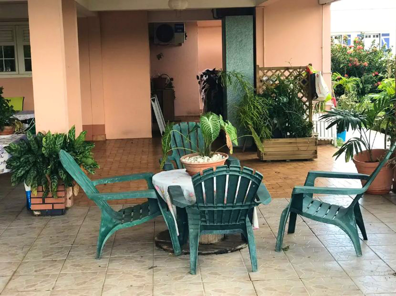 Wohnung mit einem Schlafzimmer in Ducos mit eingezäuntem Garten und W-LAN