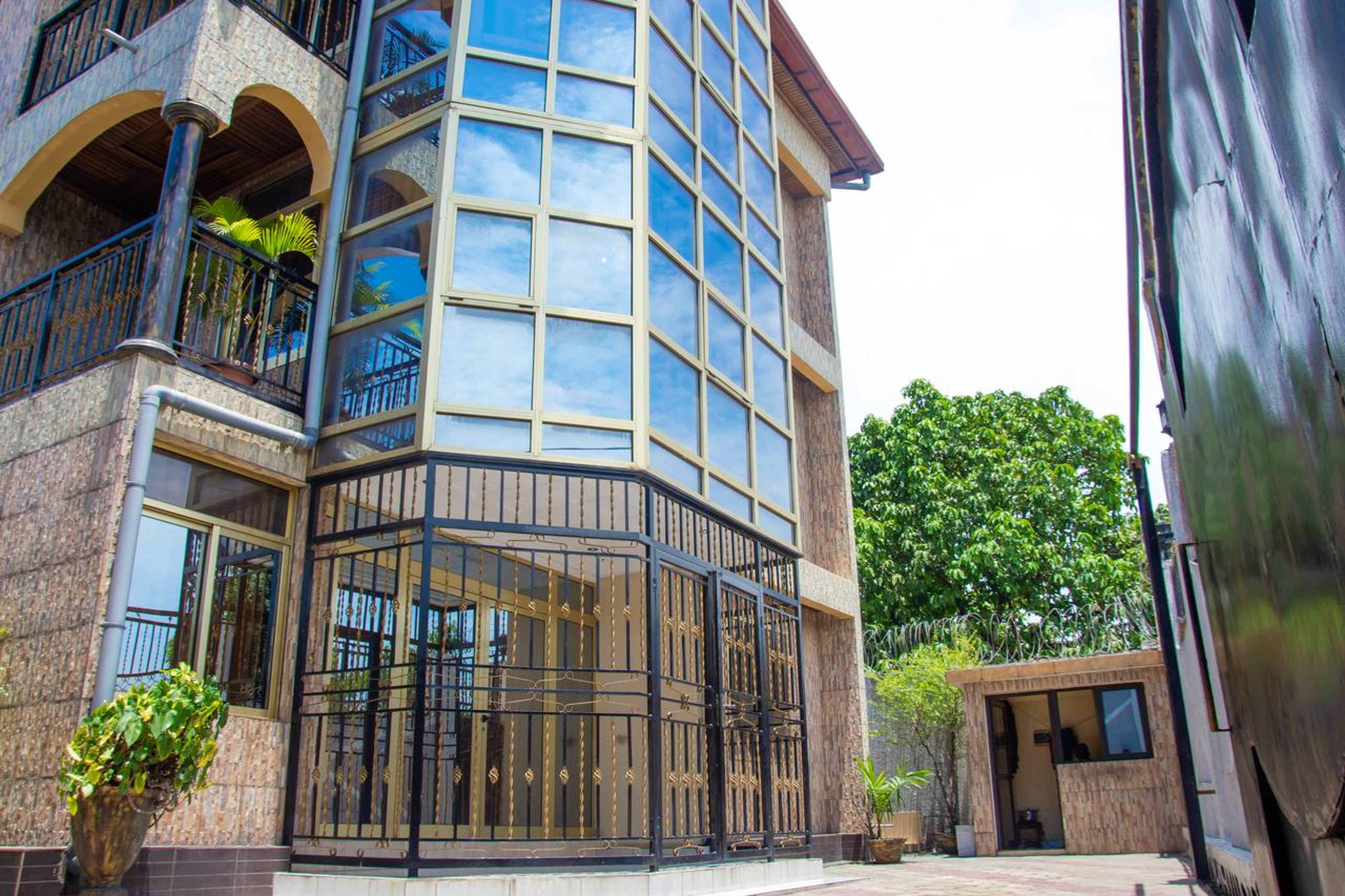 Apartment with 3 bedrooms in Kinshasa, with balcony and WiFi