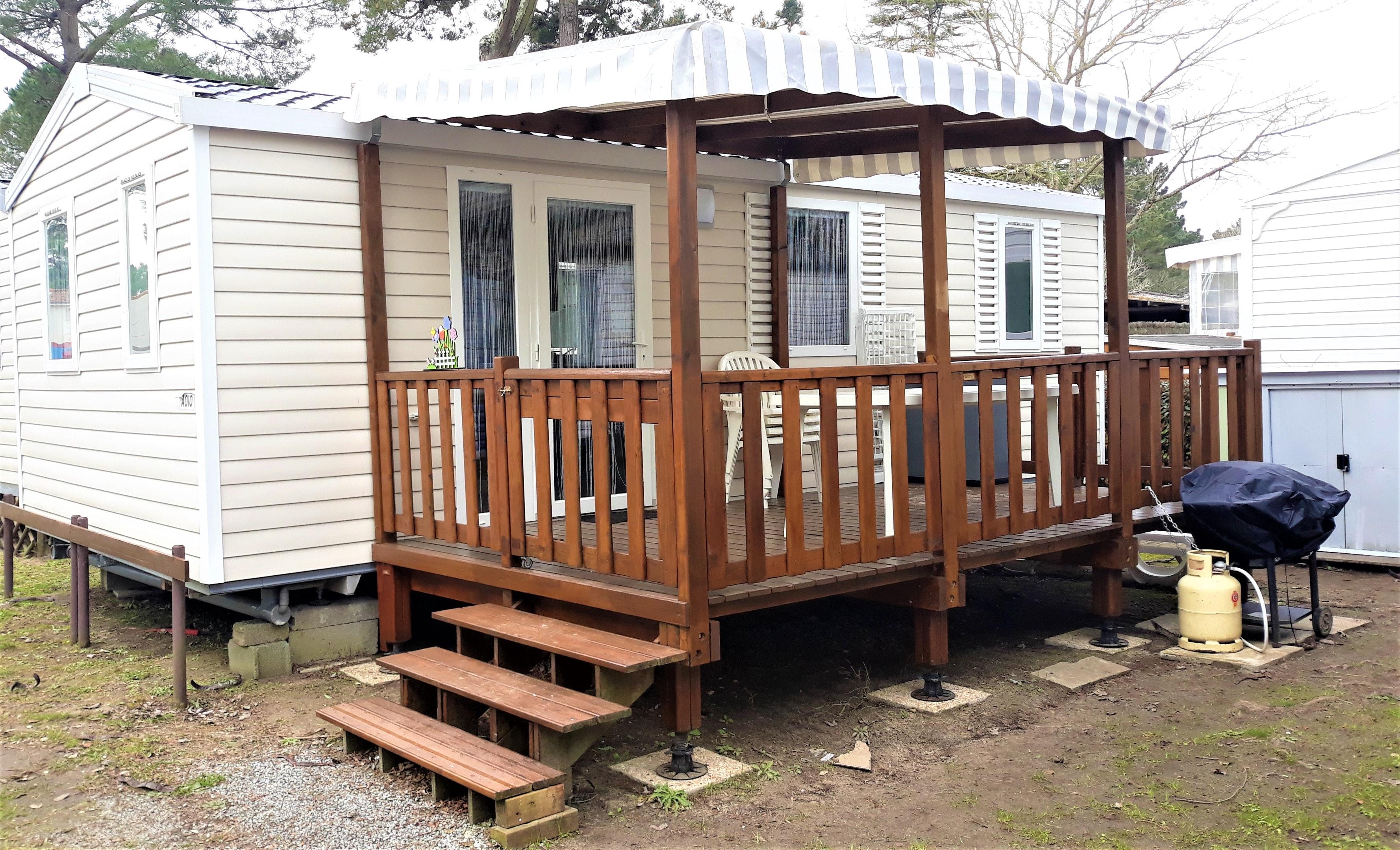 Bungalow mit 2 Schlafzimmern in Saint-Jean-de-Mont Hütte in Frankreich