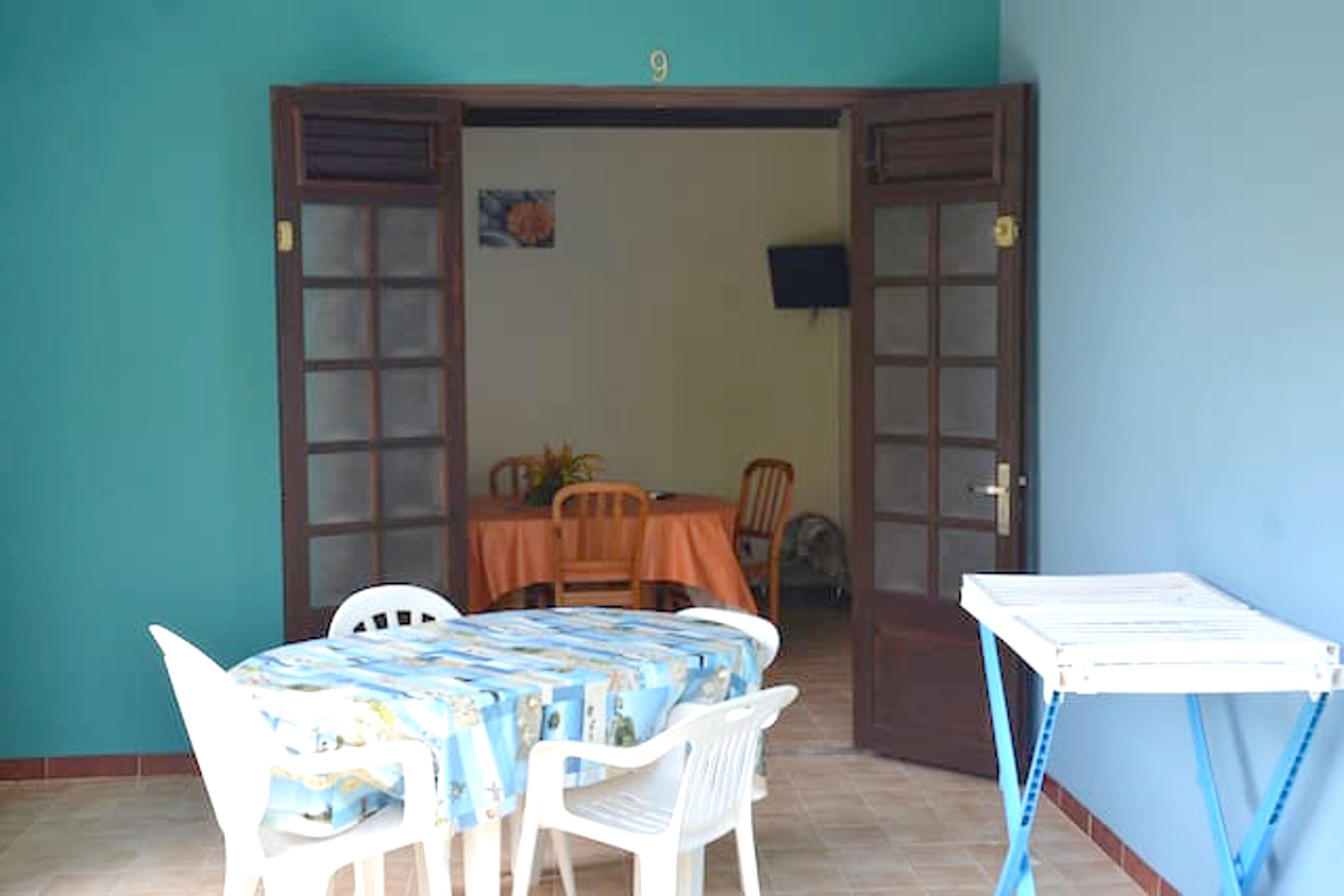 Haus mit einem Schlafzimmer in Les Anses-d'Arlet mit eingezäuntem Garten und W-LAN