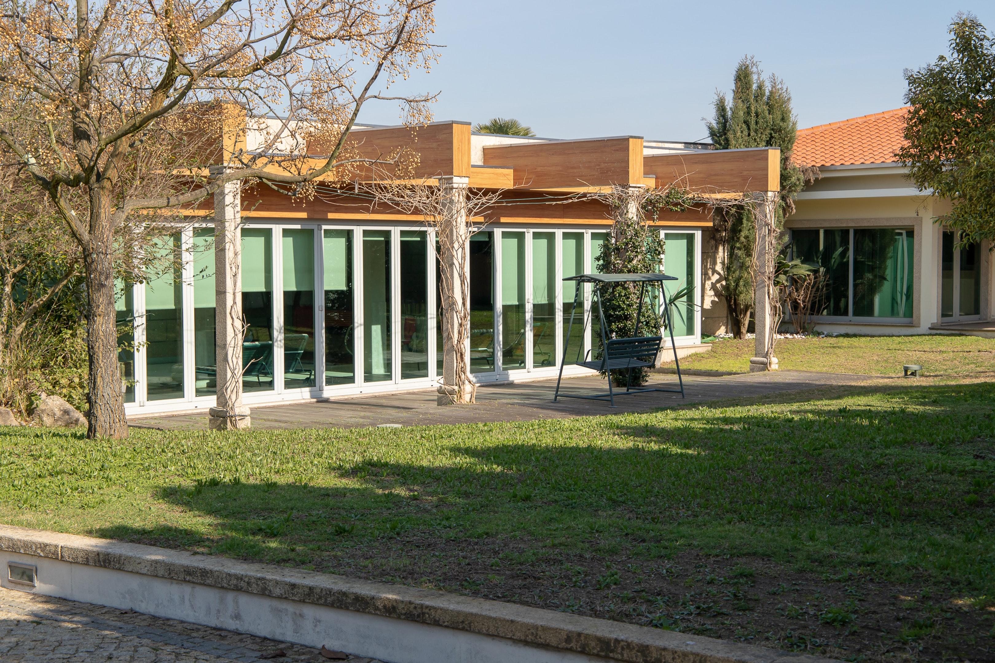 Villa mit 4 Schlafzimmern in Santo Tirso mit Innen Villa