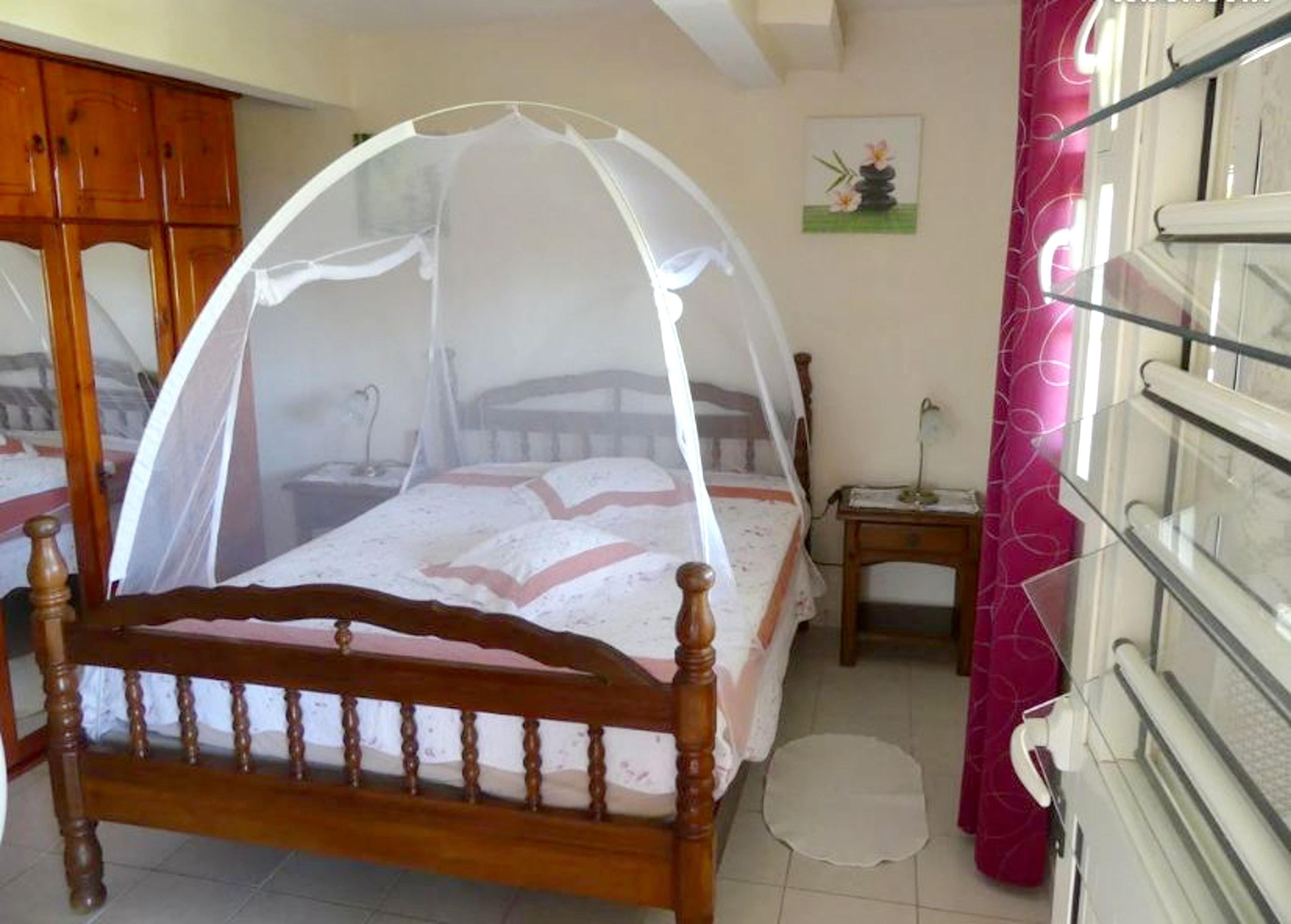 Wohnung mit 2 Schlafzimmern in Le Vauclin mit toller Aussicht auf die Berge, eingezäuntem Garten und W-LAN - 1 km vom Strand entfernt