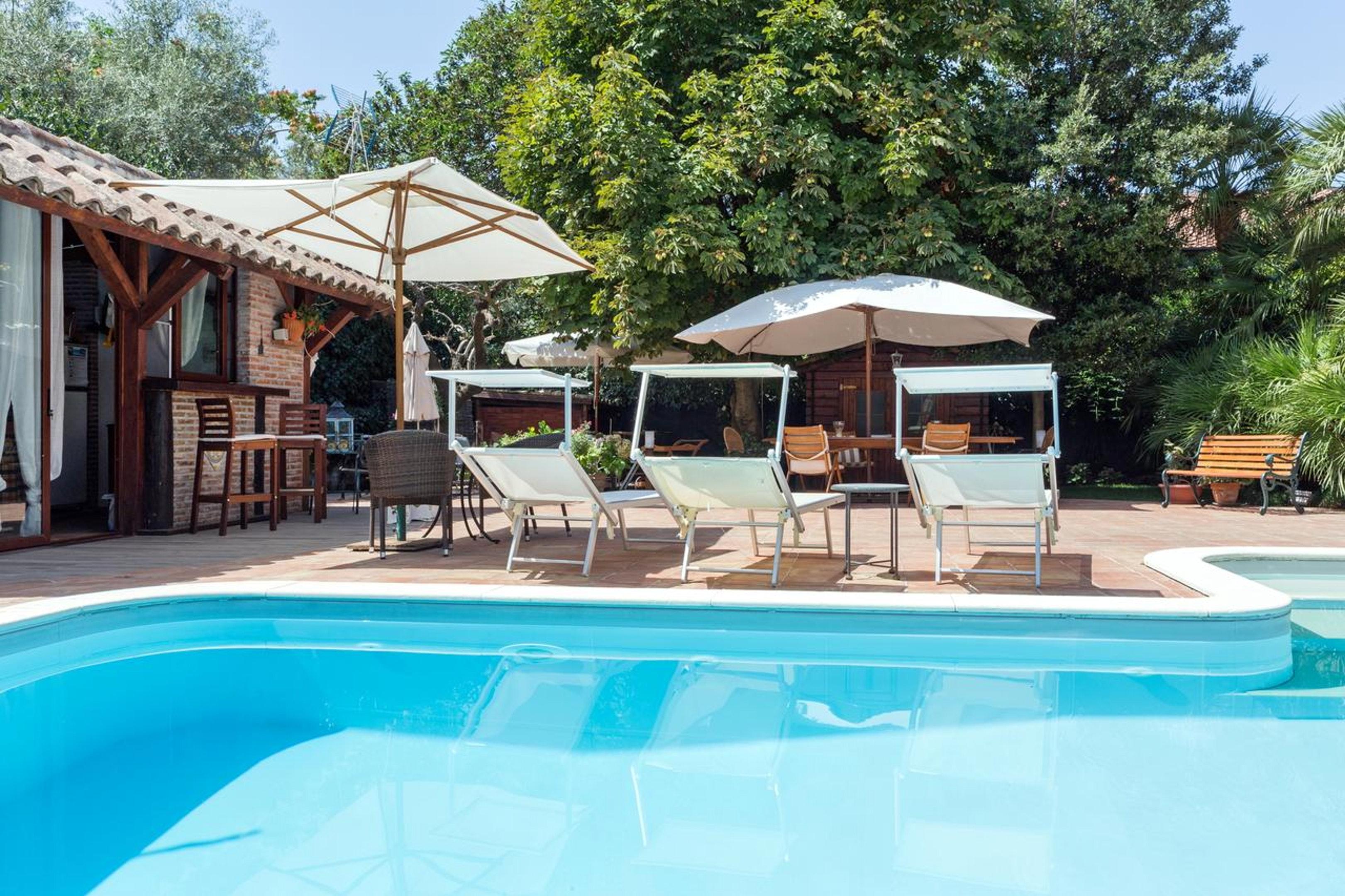 Wohnung mit 2 Schlafzimmern in Ragalna mit privatem Pool eingezäuntem Garten und W LAN 20 km vom Strand entfernt