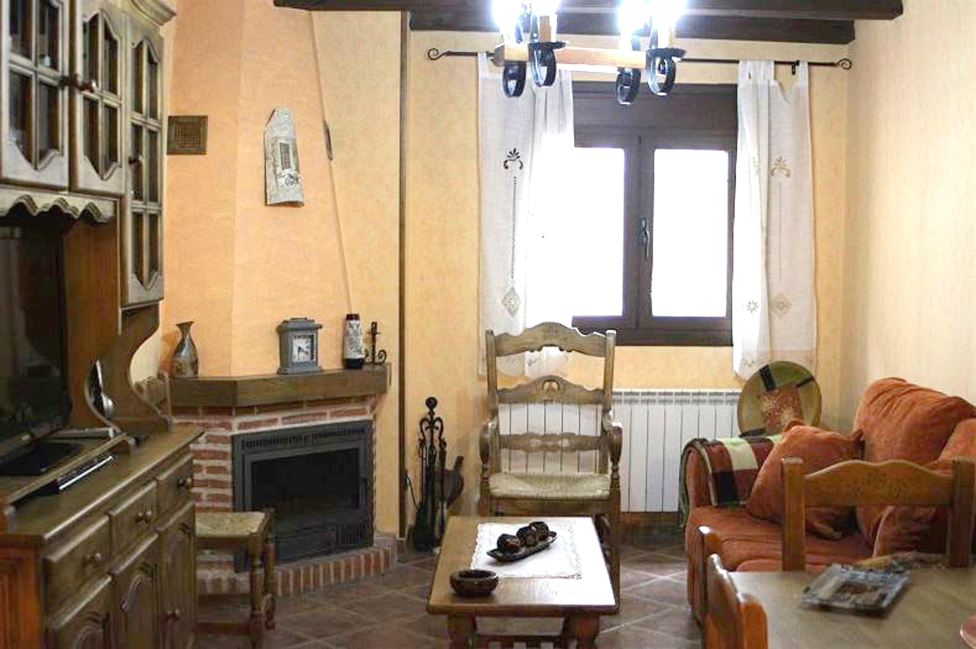 Haus mit 2 Schlafzimmern in Hueva mit toller Aussi