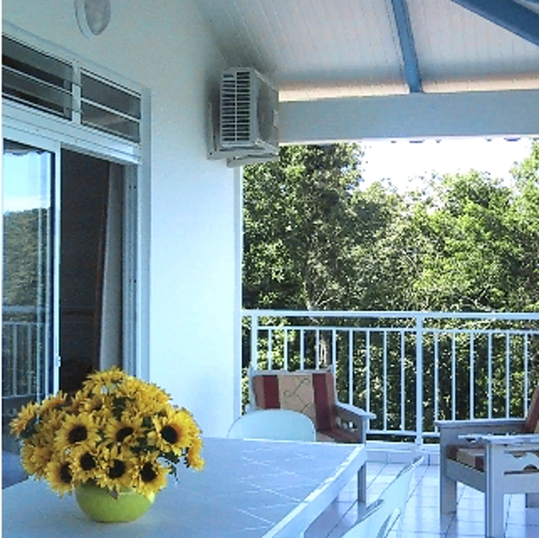 Apartamento de 2 habitaciones en Anse D'Arlet, con balcón y WiFi - a 4 km de la playa