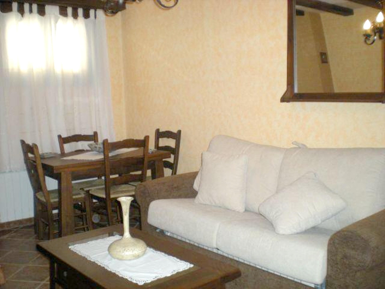Wohnung mit 2 Schlafzimmern in Hueva mit toller Au