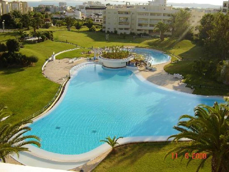Wohnung mit 2 Schlafzimmern in Alvor mit toller Aussicht auf die Berge Pool eingezäuntem Garten 1 km vom Strand entfernt